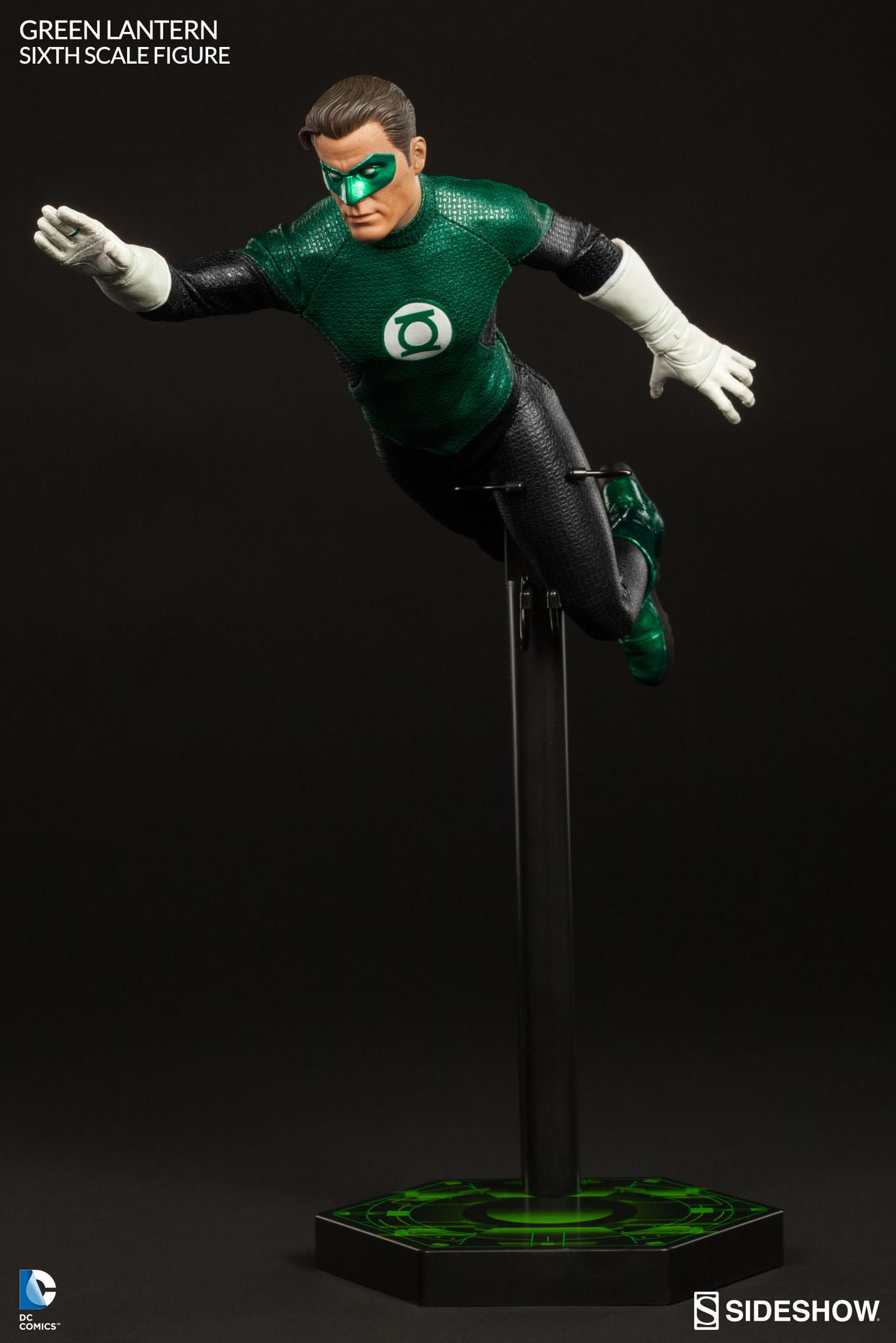 Link a Green-Lantern-Figure-Sideshow-009