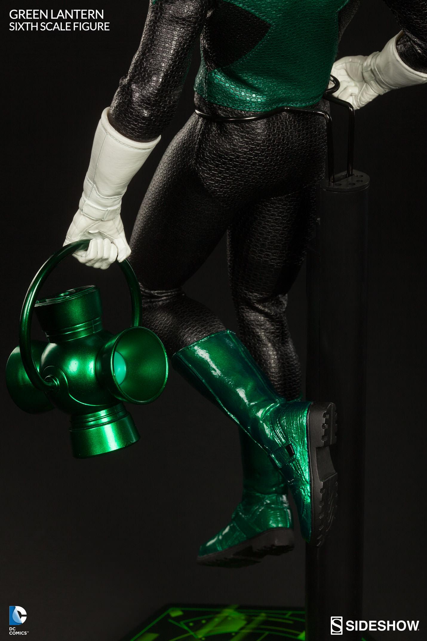 Link a Green-Lantern-Figure-Sideshow-012