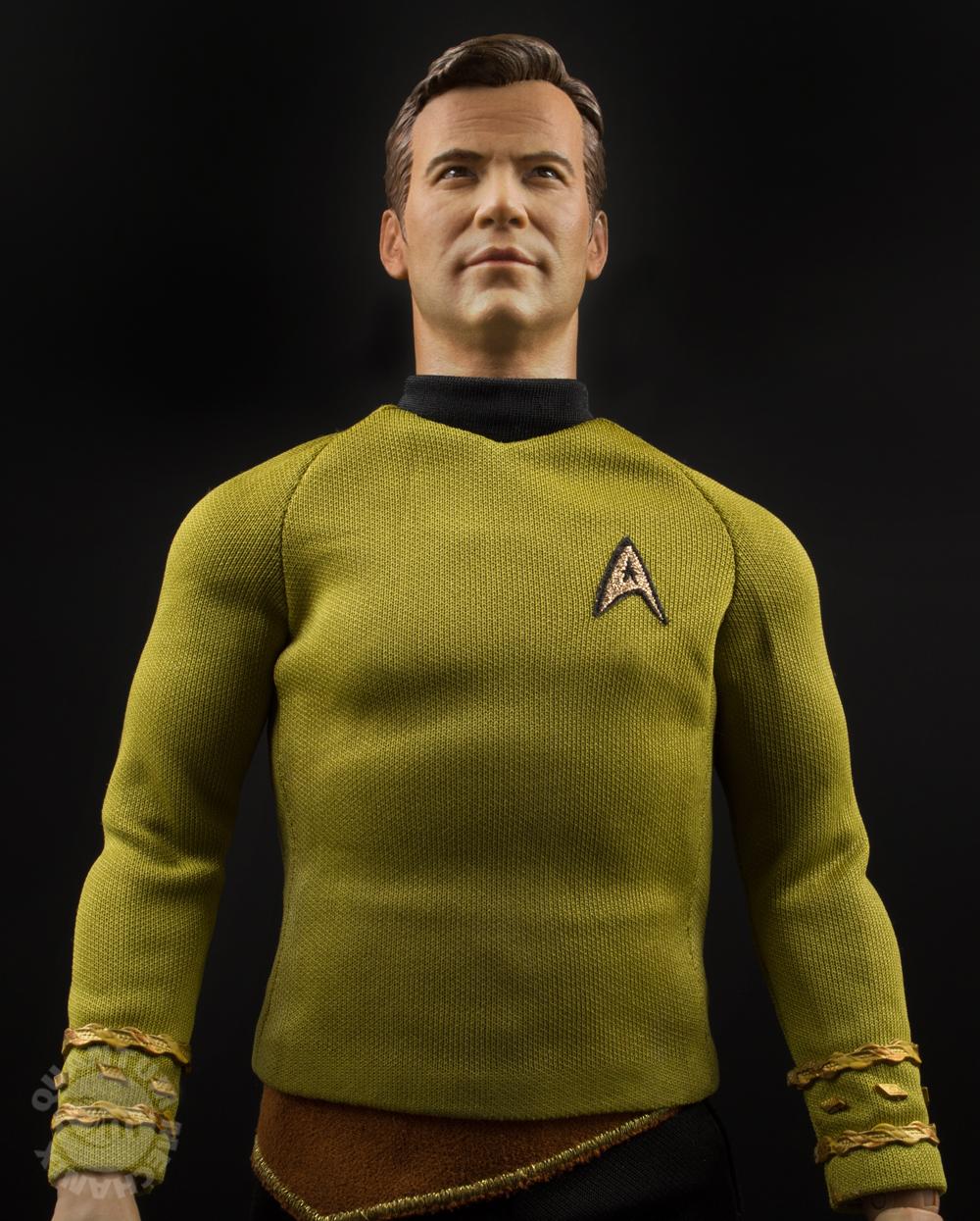 Link a QMX-Star-Trek-Captain-Kirk-Figure