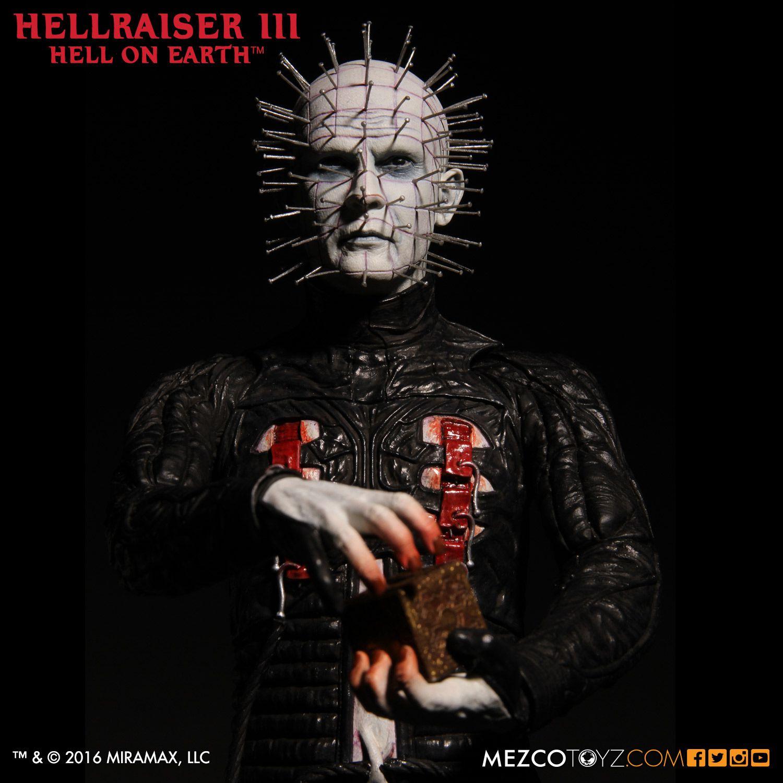 Link a Mezco-Hellraisr-3-Pinhead-005