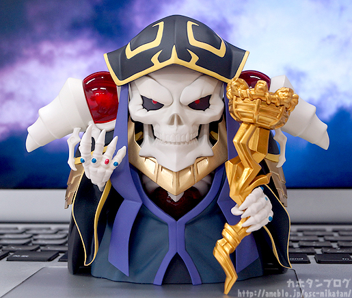 Link a Nendoroid Ainz Ooal Gown 01