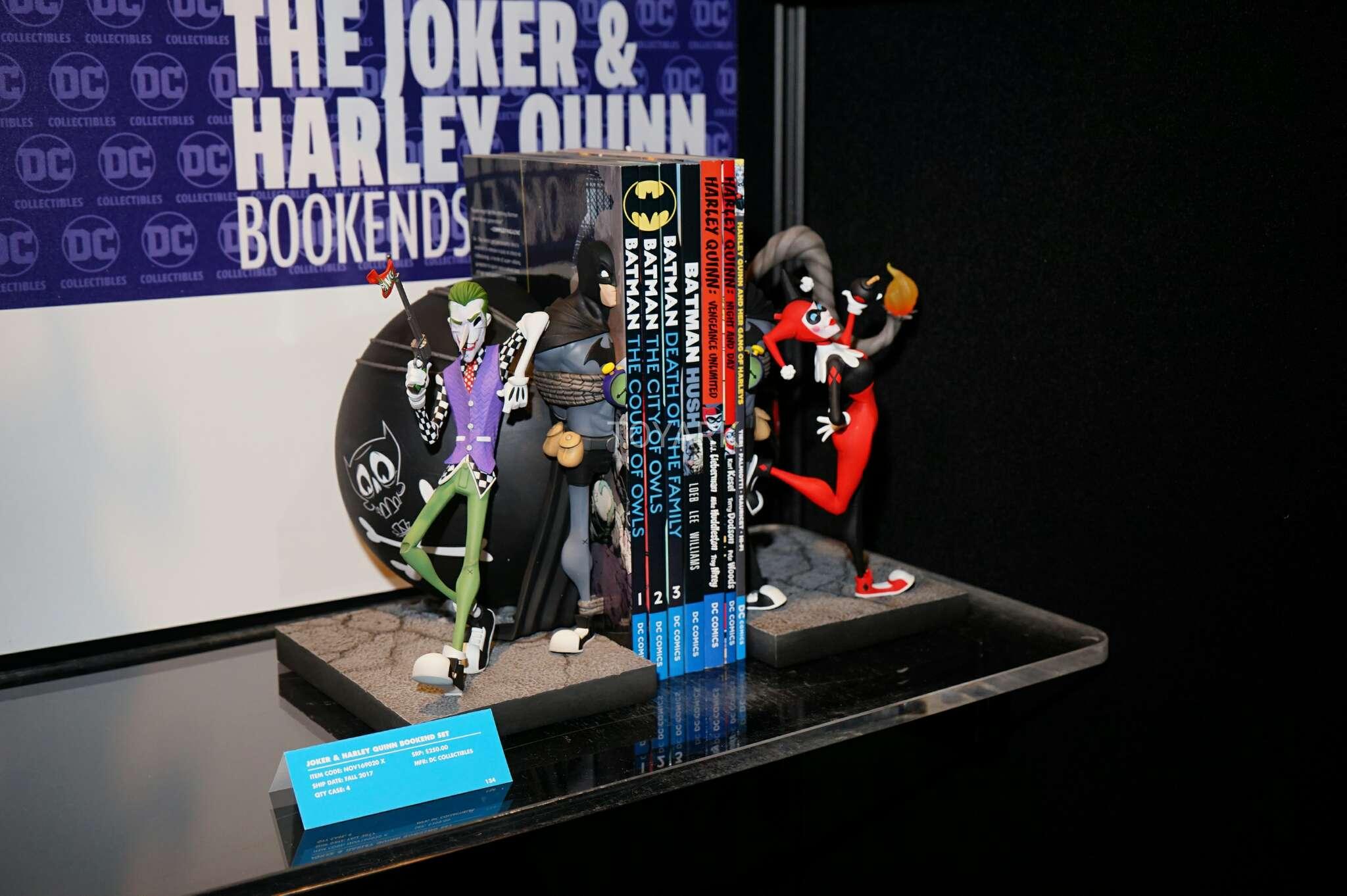 Link a Toy-Fair-2017-DC-Collectibles-143