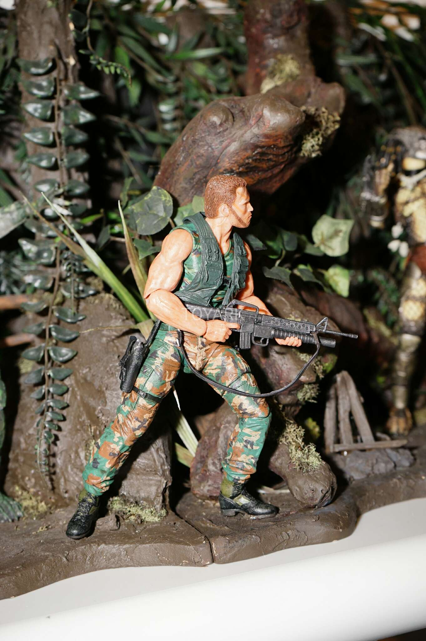 Link a Toy-Fair-2017-NECA-Aliens-and-Predator-Display-019