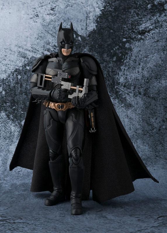 Link a batman-the-dark-knight-bandai-pre-5