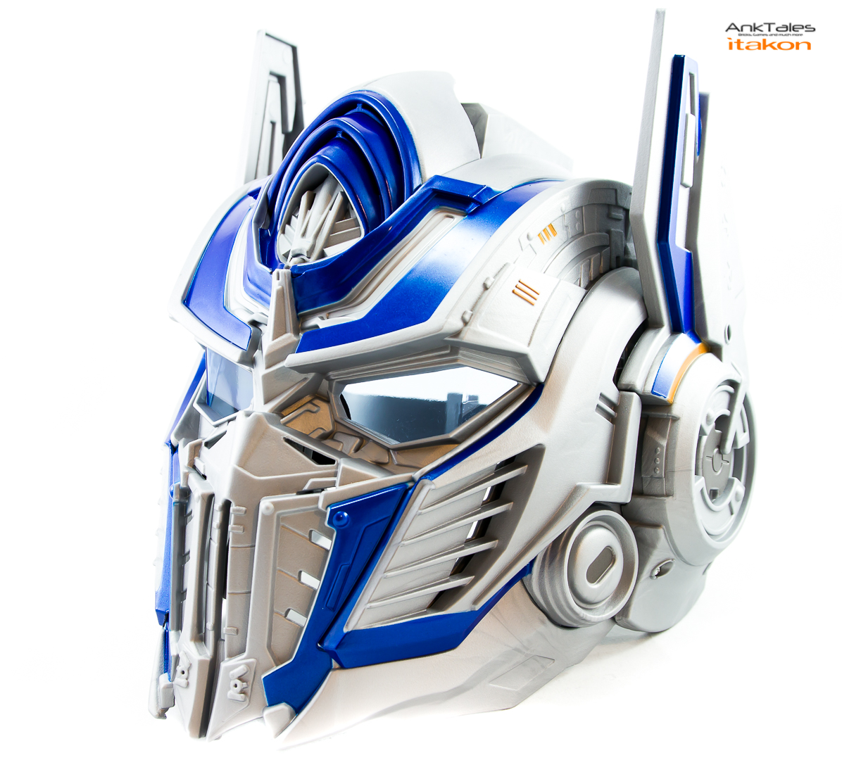 Link a Hasbro Optimus Prime helmet Anktales Itakon_0021