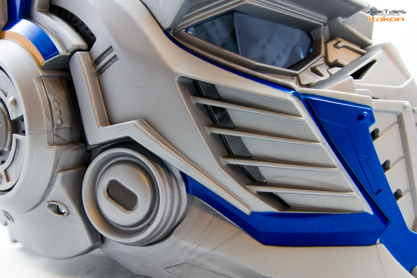 Link a Hasbro Optimus Prime helmet Anktales Itakon_0027