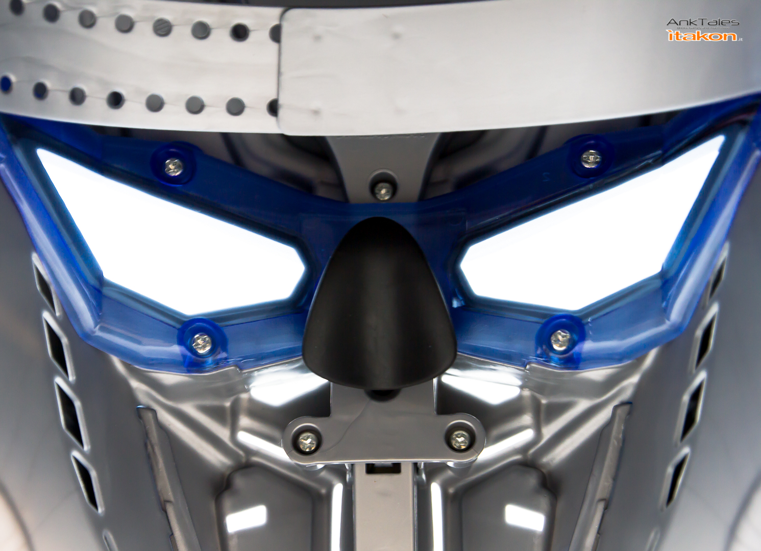 Link a Hasbro Optimus Prime helmet Anktales Itakon_0036