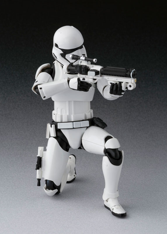 Link a Star Wars Episode VIII The Last Jedi First Order Stormtrooper S.H. Figuarts Bandai Itakon.it2