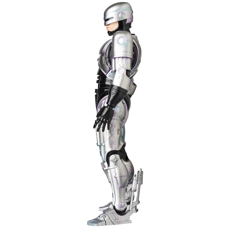 Link a MAFEX 67 Robocop pre 04