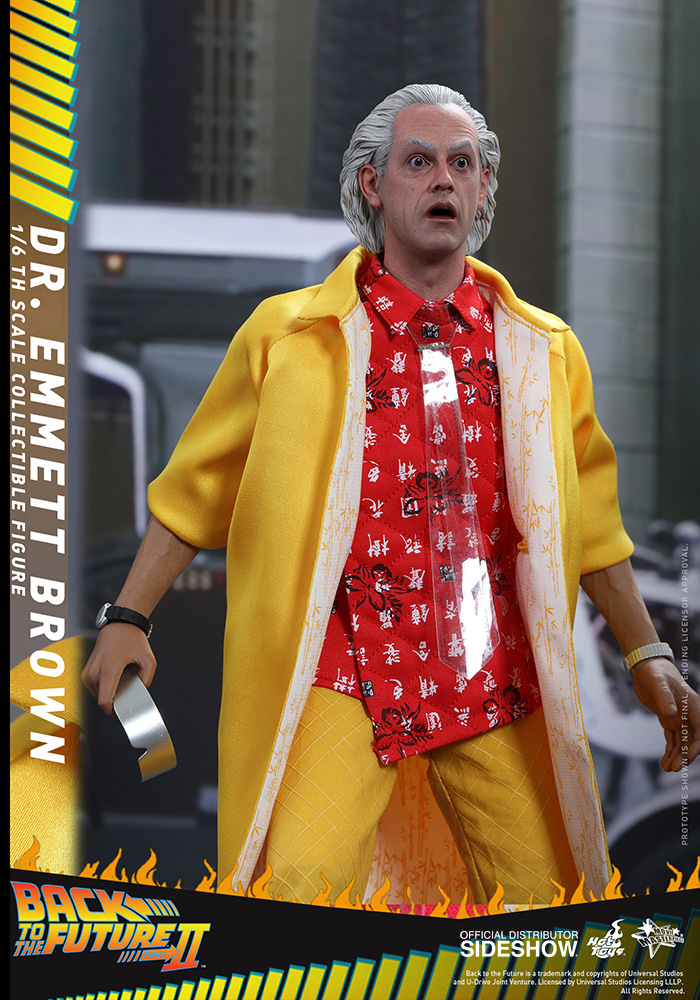 Link a back-to-the-future-2-dr-emmett-brown-sixth-scale-hot-toys-902790-03