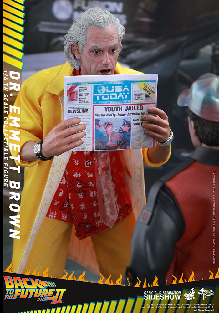 Link a back-to-the-future-2-dr-emmett-brown-sixth-scale-hot-toys-902790-10