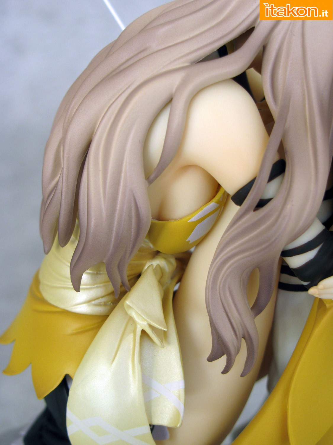 Link a 041 Kureha Shining Wind Orchid Seed Recensione