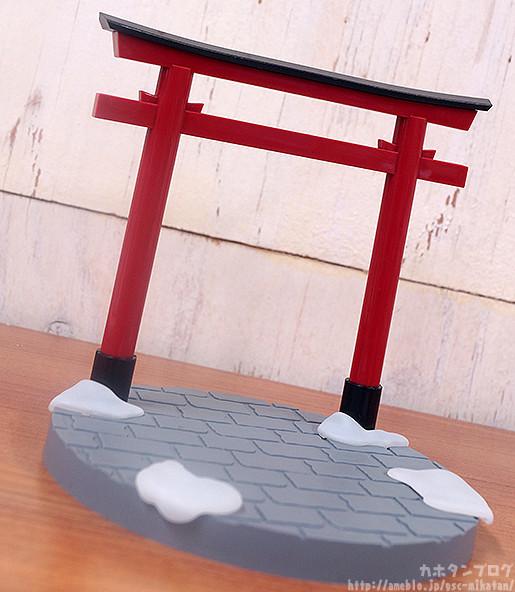 Link a Nendoroid Snow Miku Crane Priestess GSC preview 06
