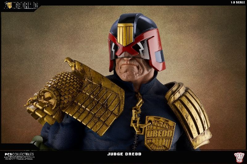 Link a PCS-Judge-Dredd-Statue-013