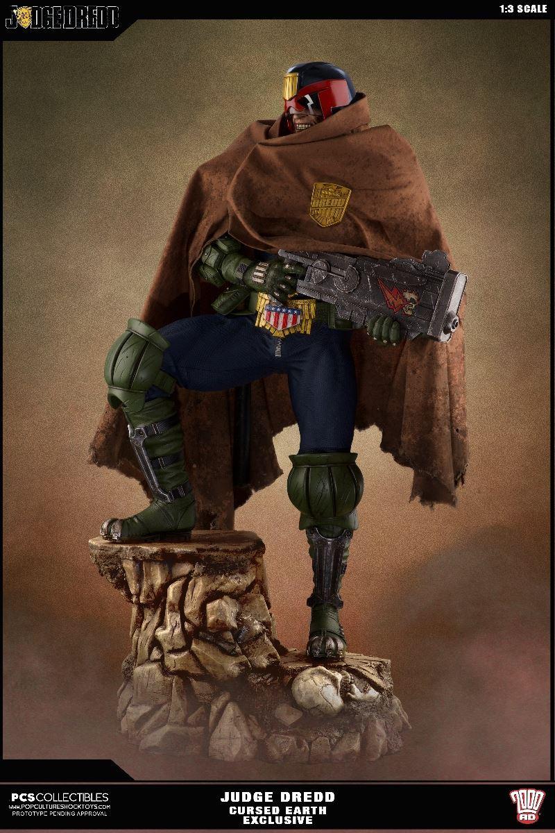 Link a PCS-Judge-Dredd-Statue-EX-001