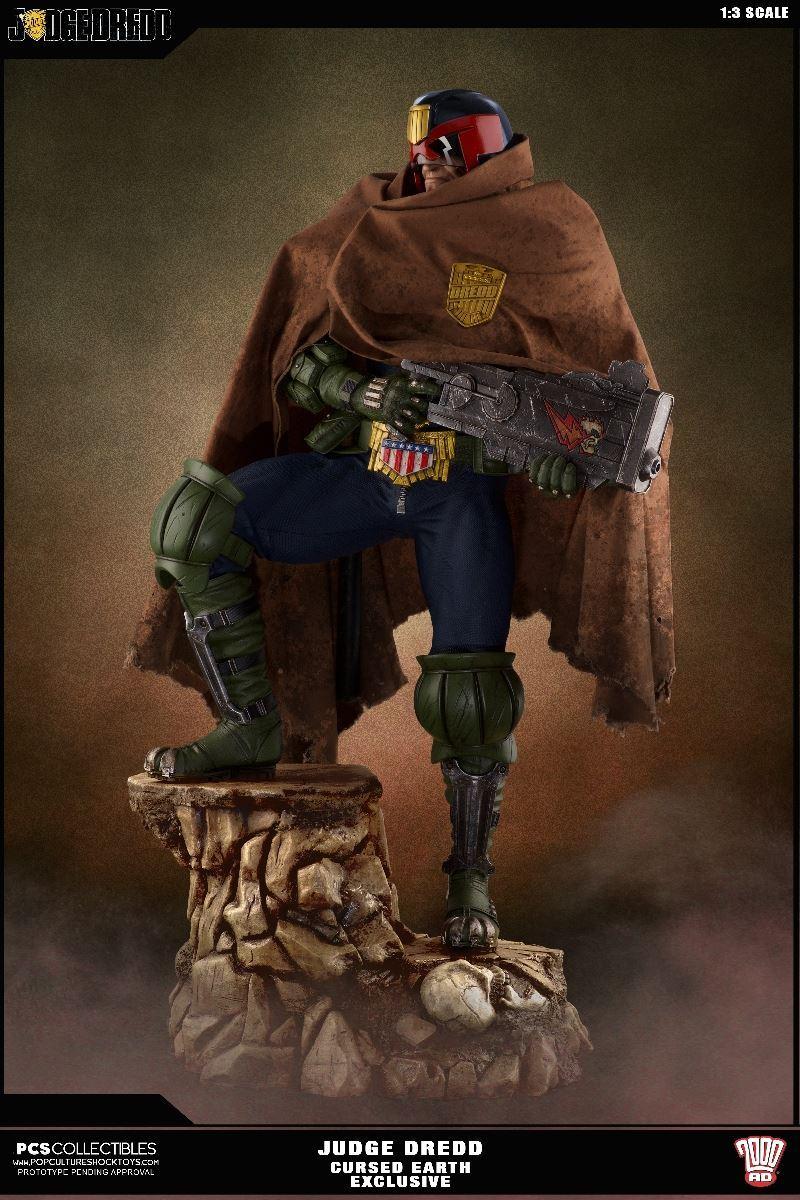 Link a PCS-Judge-Dredd-Statue-EX-003