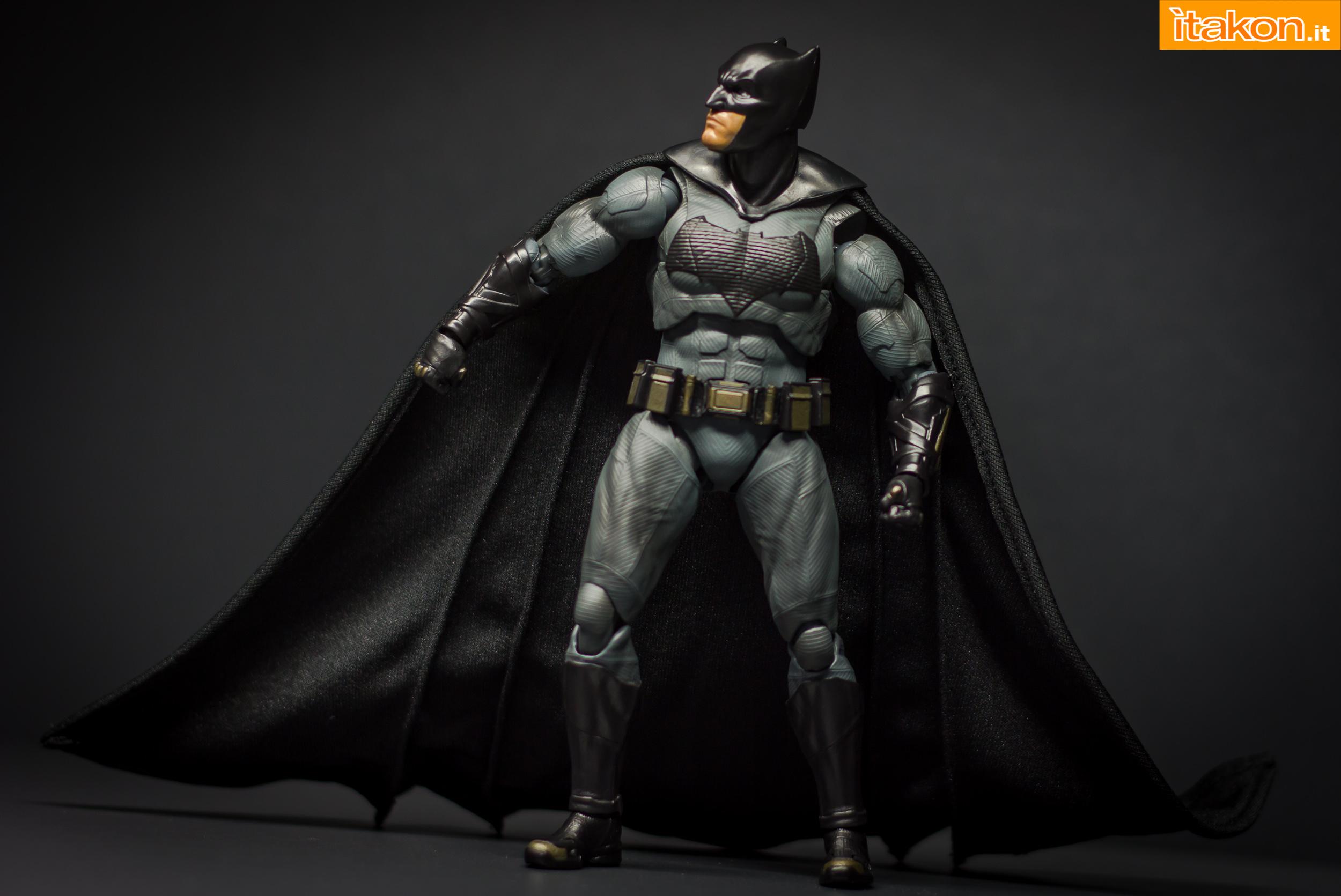 Link a Bandai S.H Figuarts Batman Justice League-34