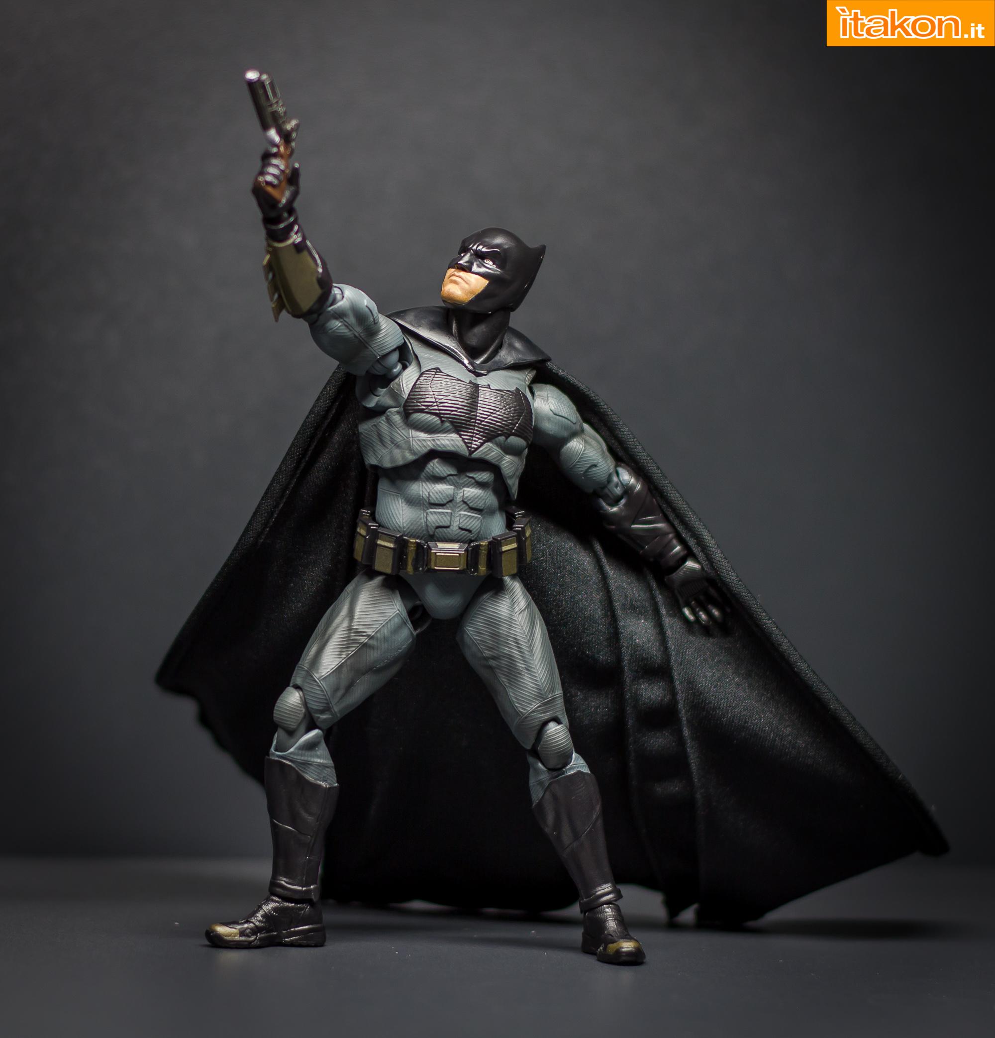 Link a Bandai S.H Figuarts Batman Justice League-42