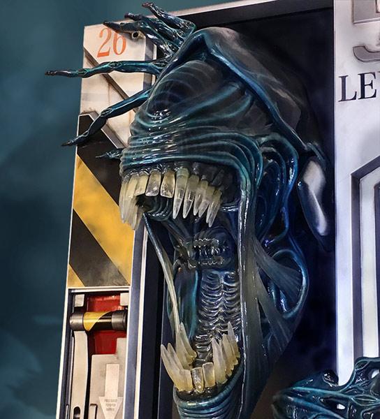 Link a HCG-Alien-Queen-Wall-Sculpture-001