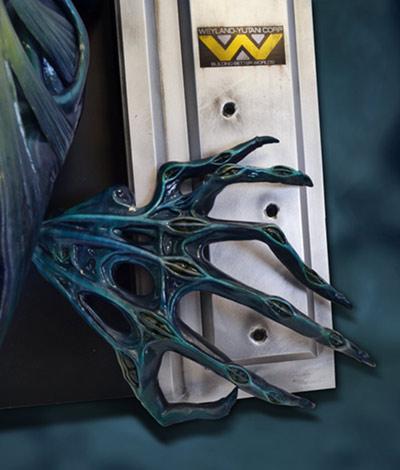 Link a HCG-Alien-Queen-Wall-Sculpture-002