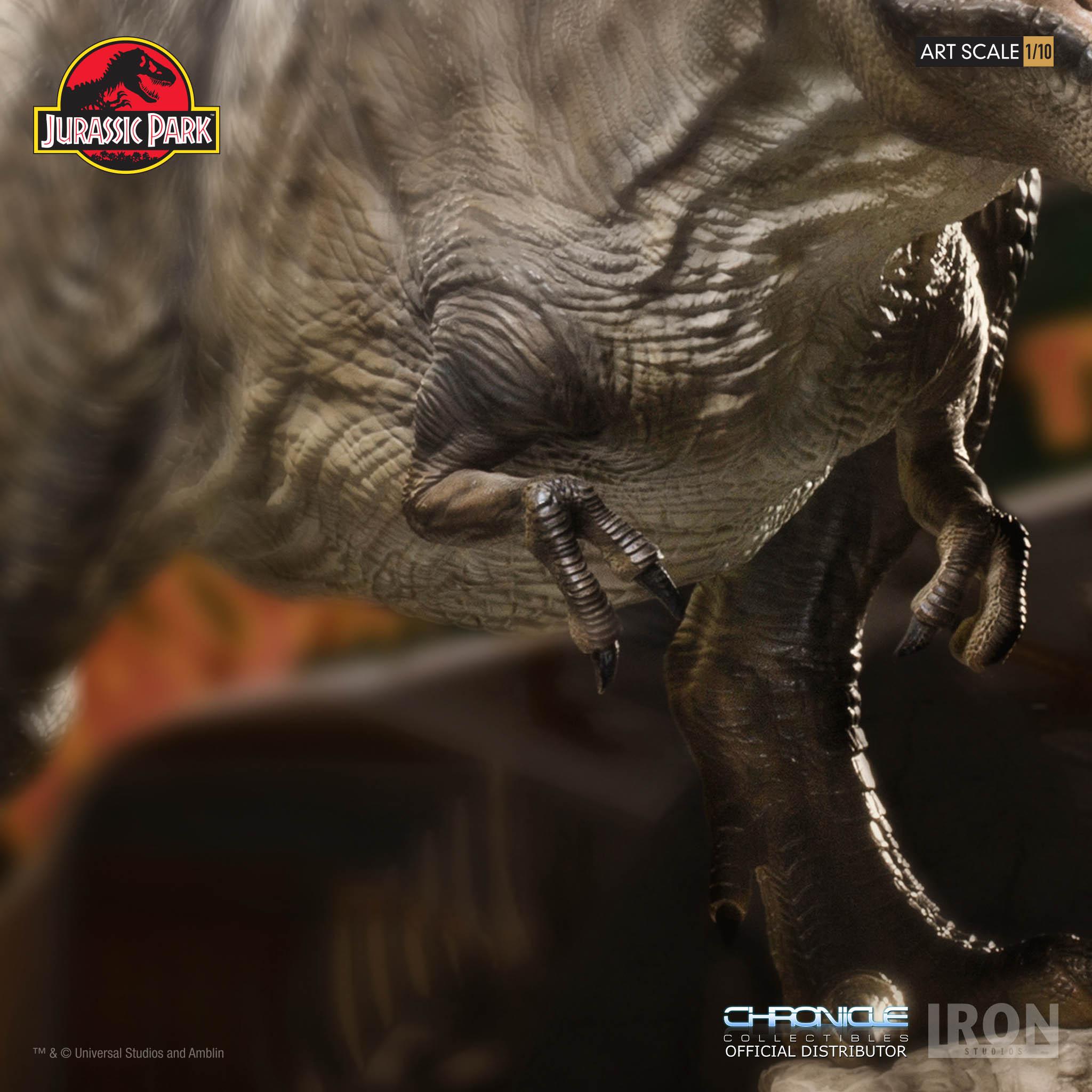 Link a Iron-Studios-T-Rex-Statue-013