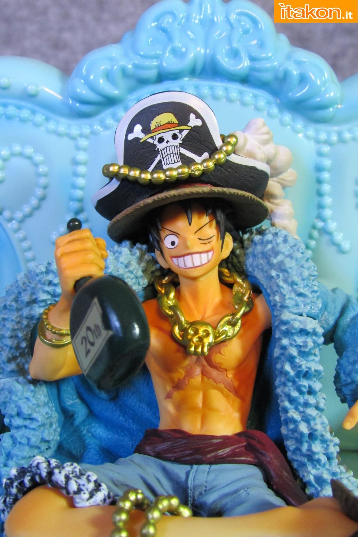 Link a Recensione Review Monkey D. Luffy One Piece 20th Anniversary ver. Figuarts ZERO di Bandai 12