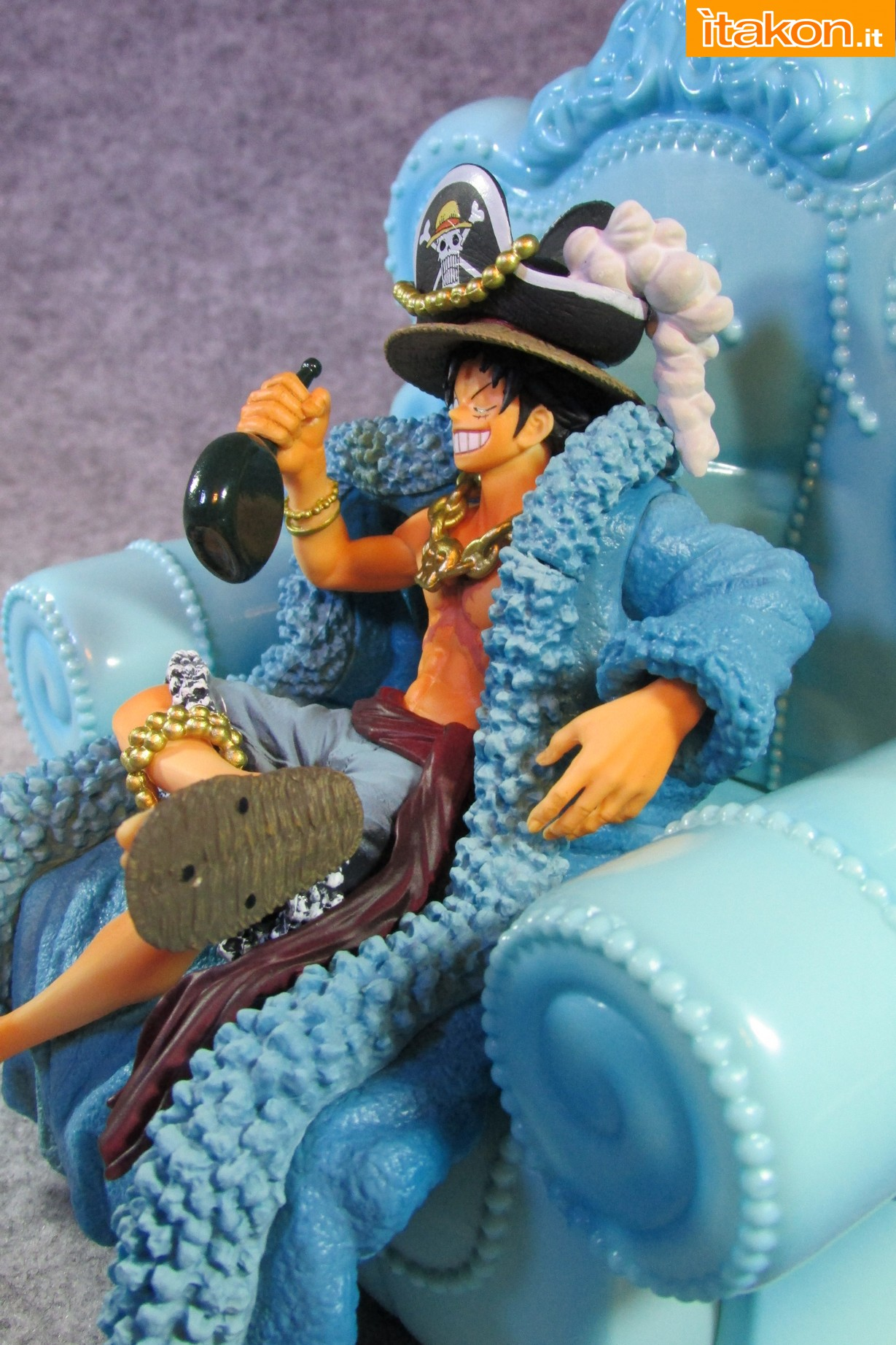 Link a Recensione Review Monkey D. Luffy One Piece 20th Anniversary ver. Figuarts ZERO di Bandai 22