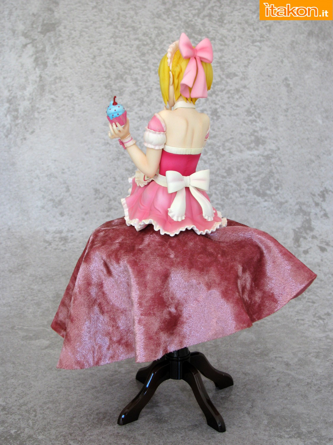 Link a 007 Frederica Miyamoto Little Devil Maid Phat recensione