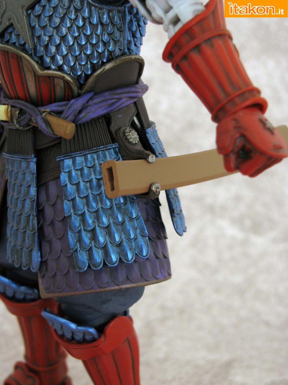 Link a 023 Samurai Captain America Manga Realization Bandai recensione