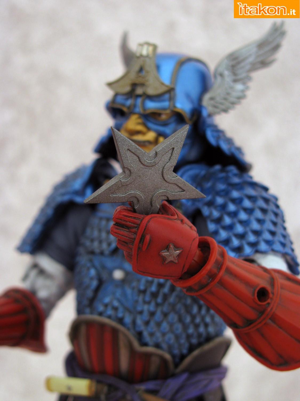 Link a 033 Samurai Captain America Manga Realization Bandai recensione
