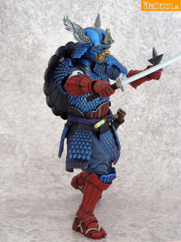 Link a 035 Samurai Captain America Manga Realization Bandai recensione