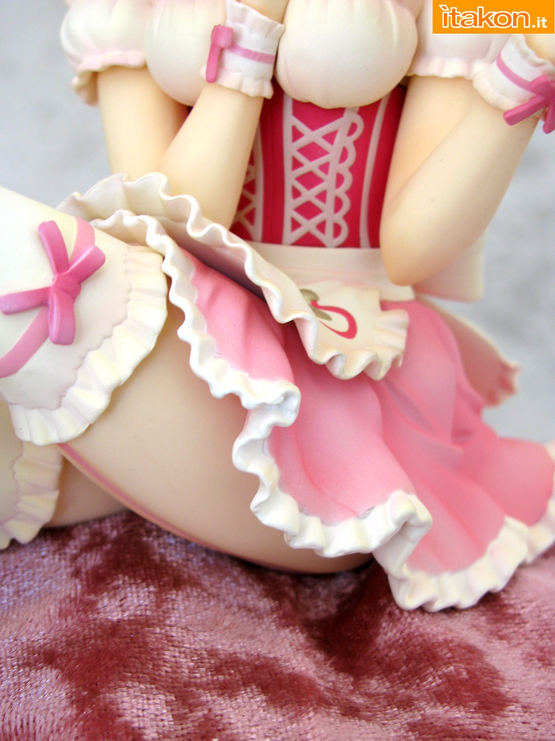 Link a 048 Frederica Miyamoto Little Devil Maid Phat recensione