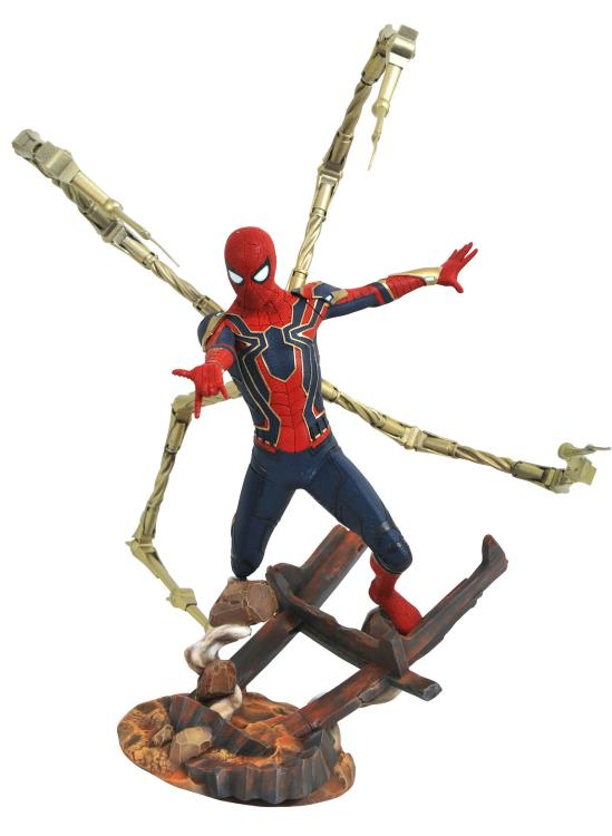 Link a Diamond Select Spiderman Avengers pre 02