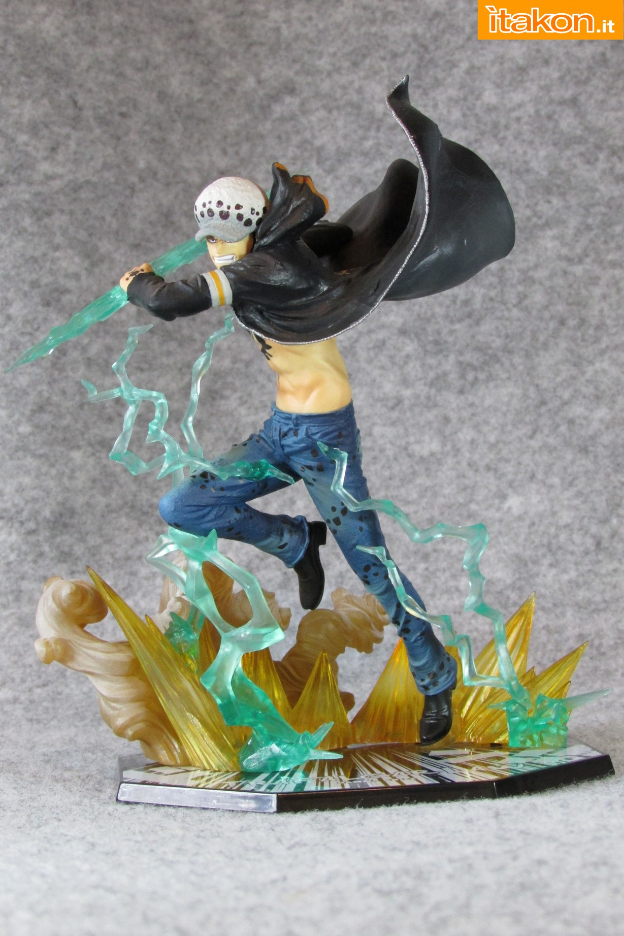 Link a One Piece Trafalgar Law Gamma Knife Figuarts ZERO Chou Gekisen Extra Battle Recensione Review Itakon.it 12