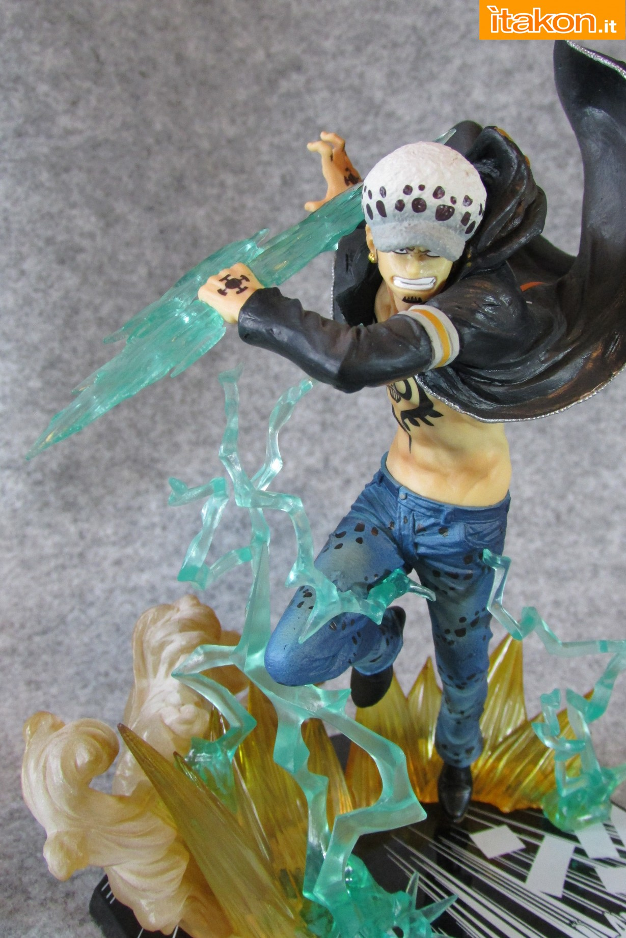 Link a One Piece Trafalgar Law Gamma Knife Figuarts ZERO Chou Gekisen Extra Battle Recensione Review Itakon.it 19