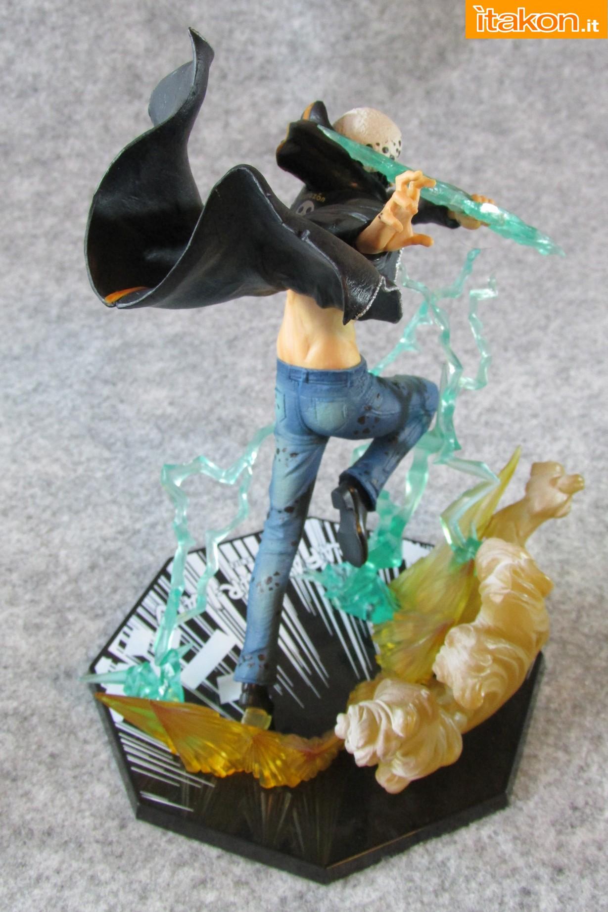 Link a One Piece Trafalgar Law Gamma Knife Figuarts ZERO Chou Gekisen Extra Battle Recensione Review Itakon.it 27