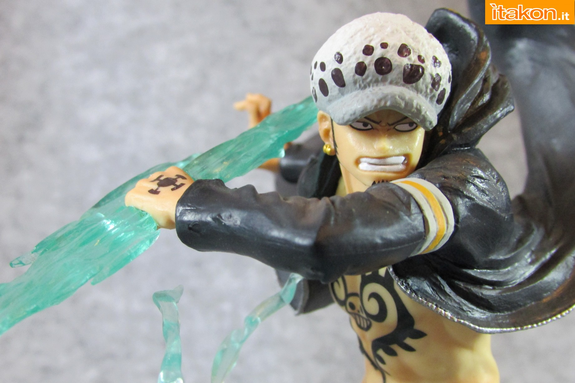 Link a One Piece Trafalgar Law Gamma Knife Figuarts ZERO Chou Gekisen Extra Battle Recensione Review Itakon.it 45