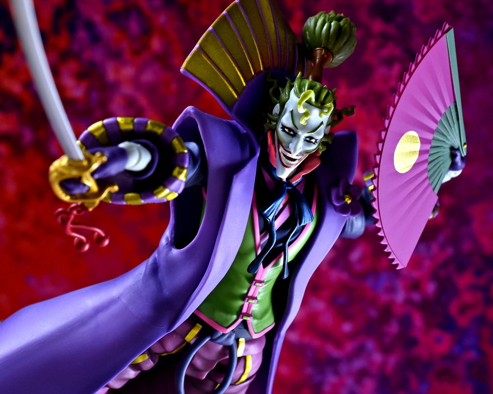Link a SH Figuarts Batman Ninja Joker final 25