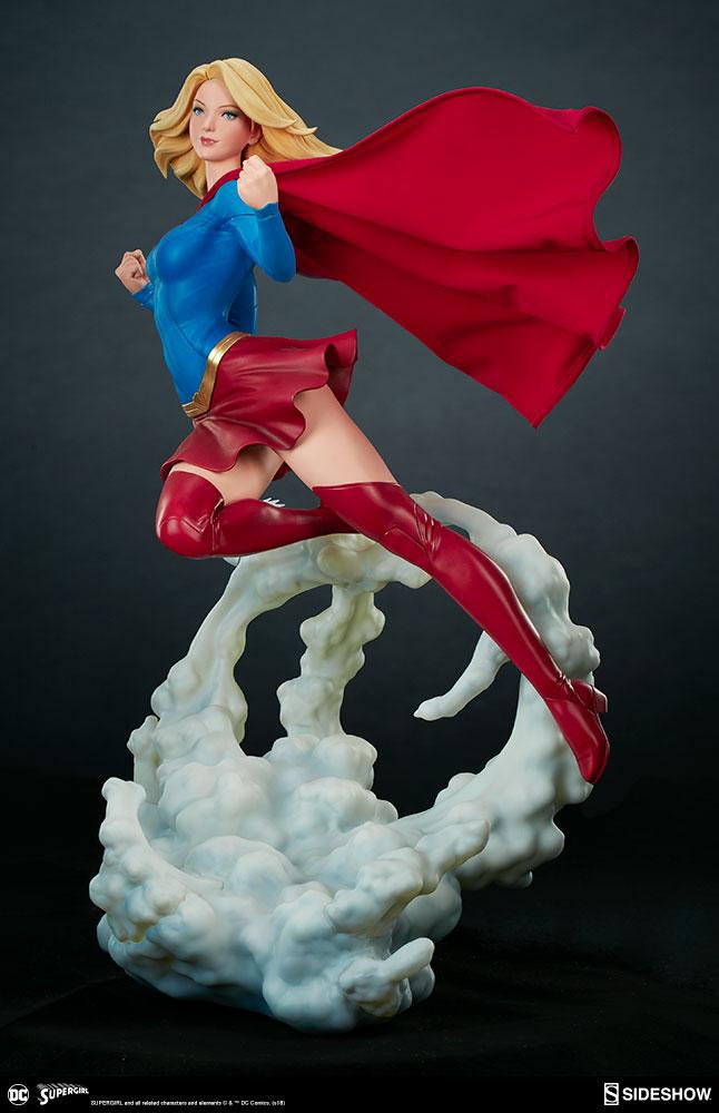Link a dc-comics-supergirl-premium-format-figure-sideshow-300670-07