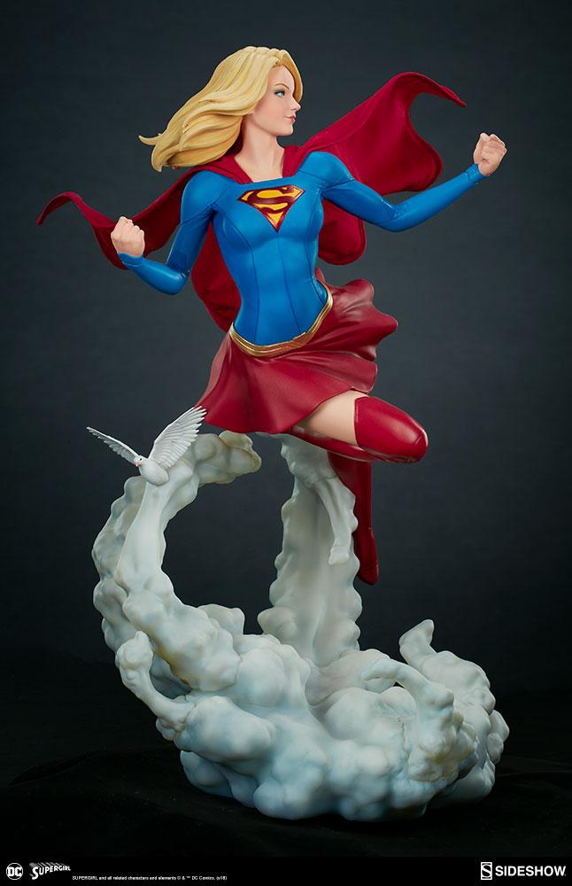 Link a dc-comics-supergirl-premium-format-figure-sideshow-300670-11