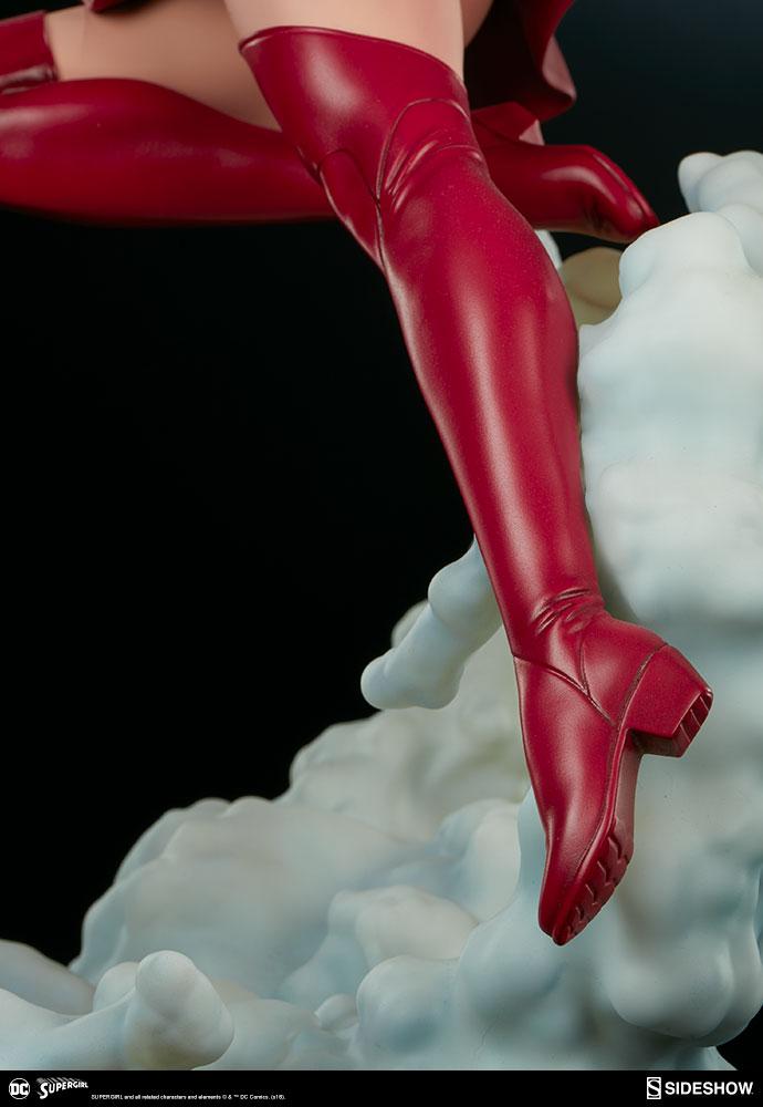 Link a dc-comics-supergirl-premium-format-figure-sideshow-300670-19
