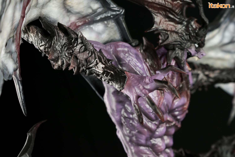 Link a Itakon_Amon_Devilman_Figurama_Review-44