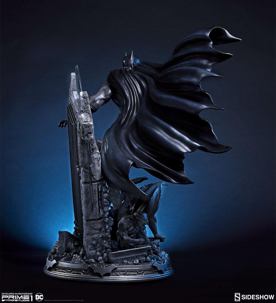 Link a dc-comics-batman-statue-sideshow-prime1-studio-200518-07