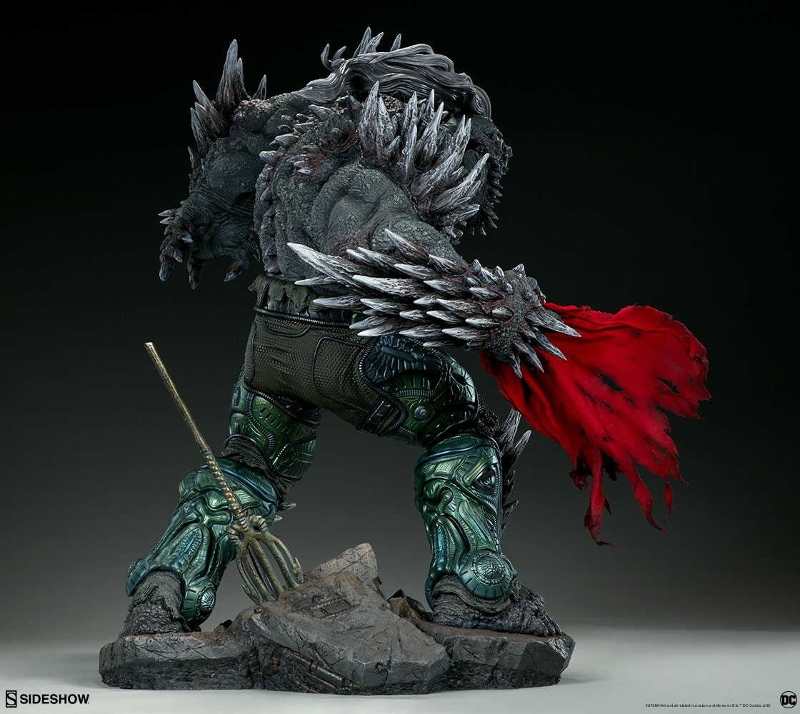 Link a dc-comics-doomsday-maquette-sideshow-300680-07