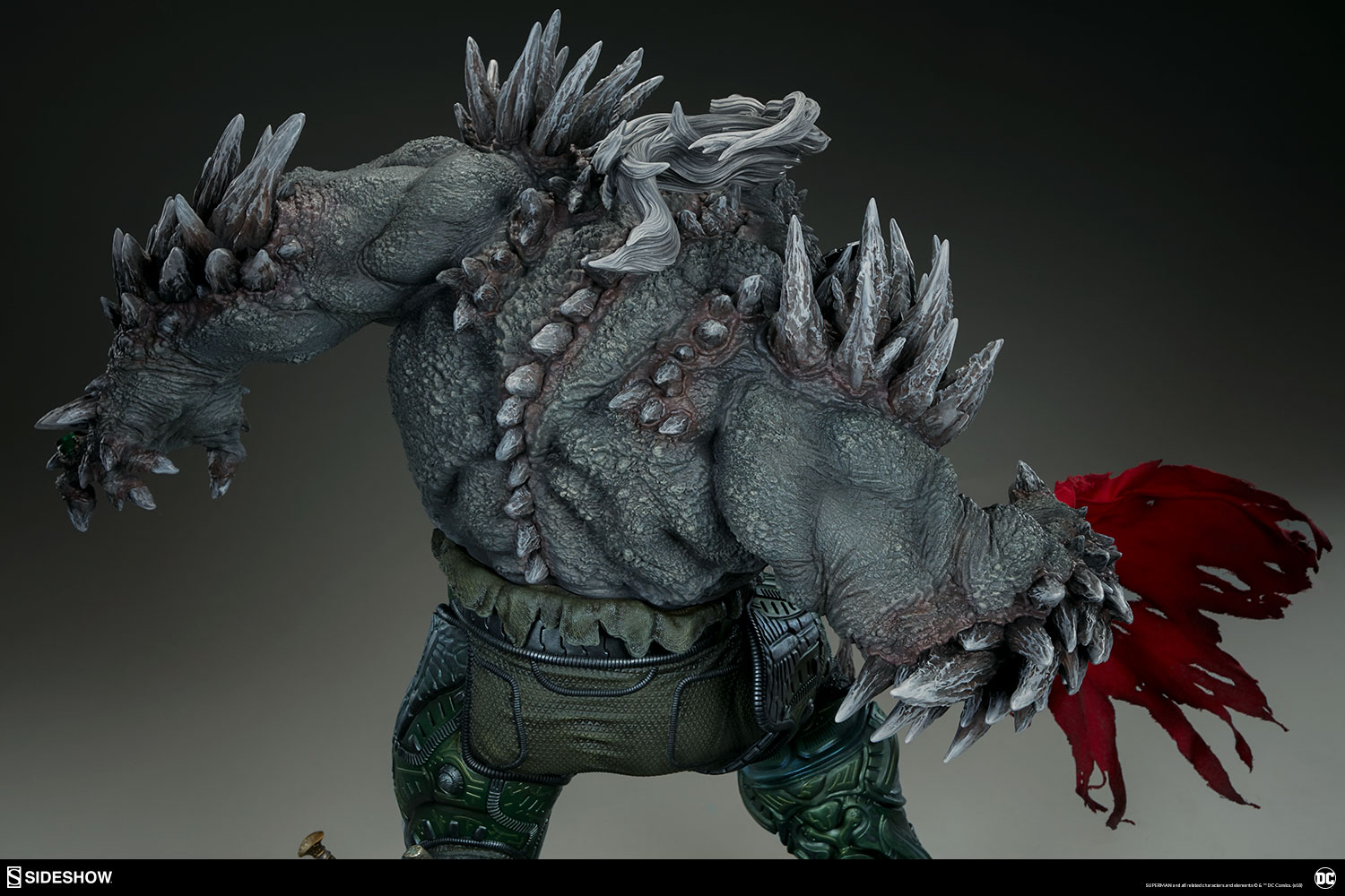 Link a dc-comics-doomsday-maquette-sideshow-300680-14