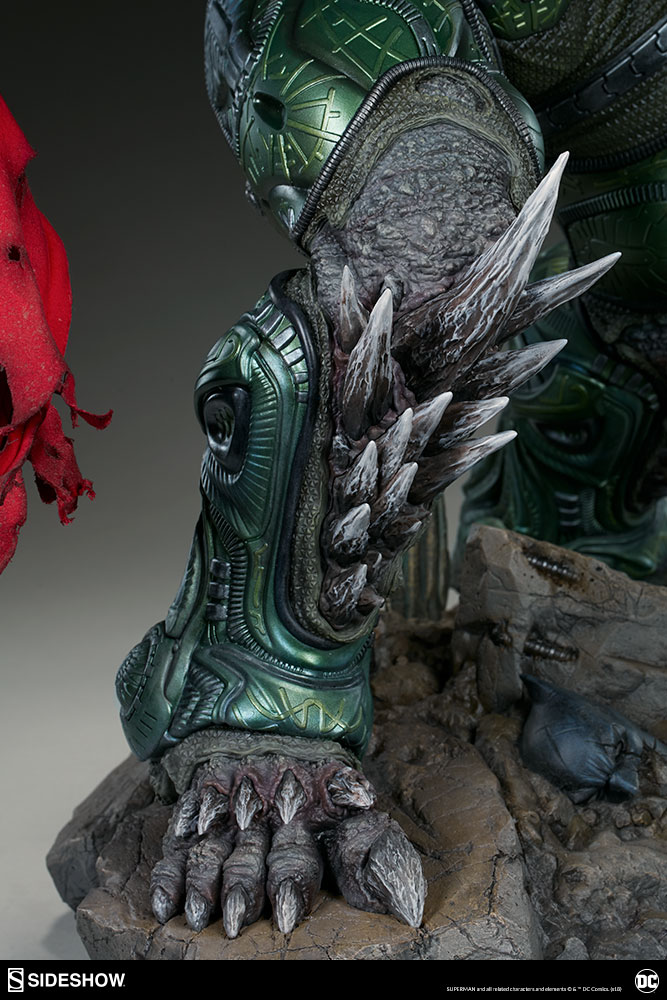 Link a dc-comics-doomsday-maquette-sideshow-300680-27