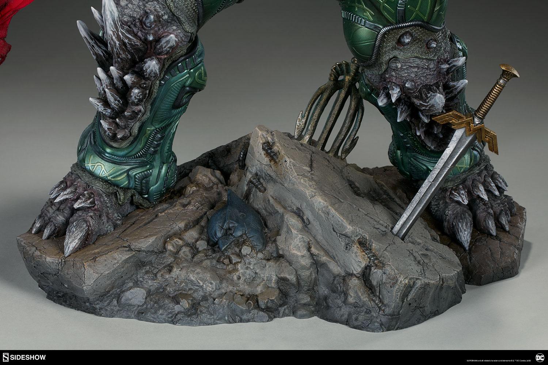 Link a dc-comics-doomsday-maquette-sideshow-300680-33