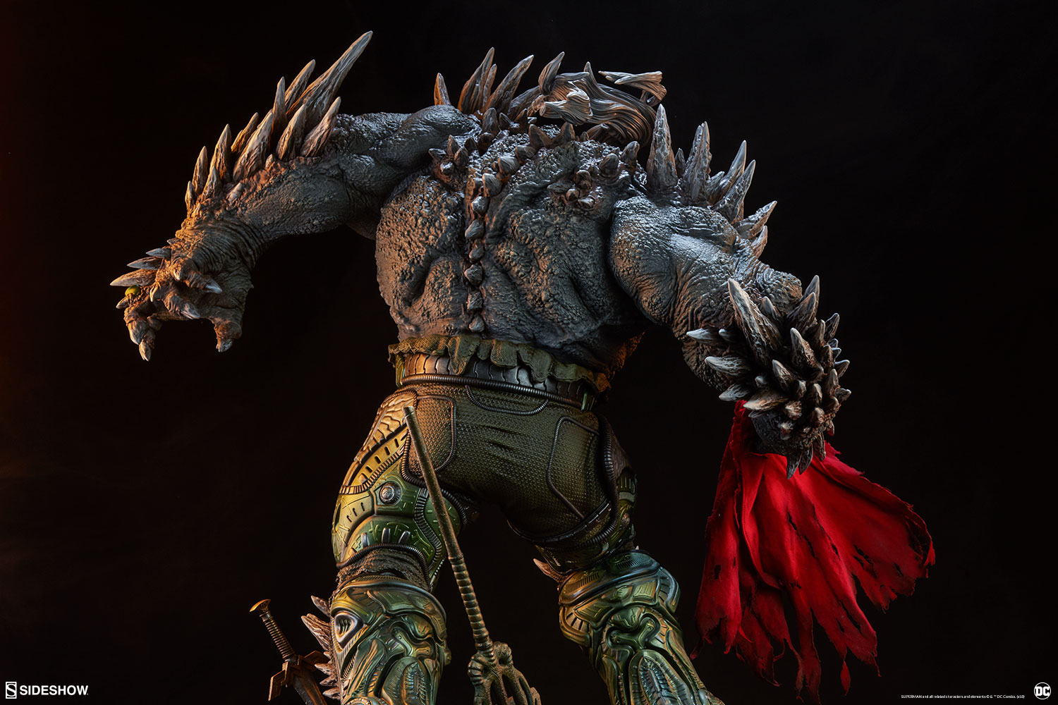 Link a dc-comics-doomsday-maquette-sideshow-300680-40