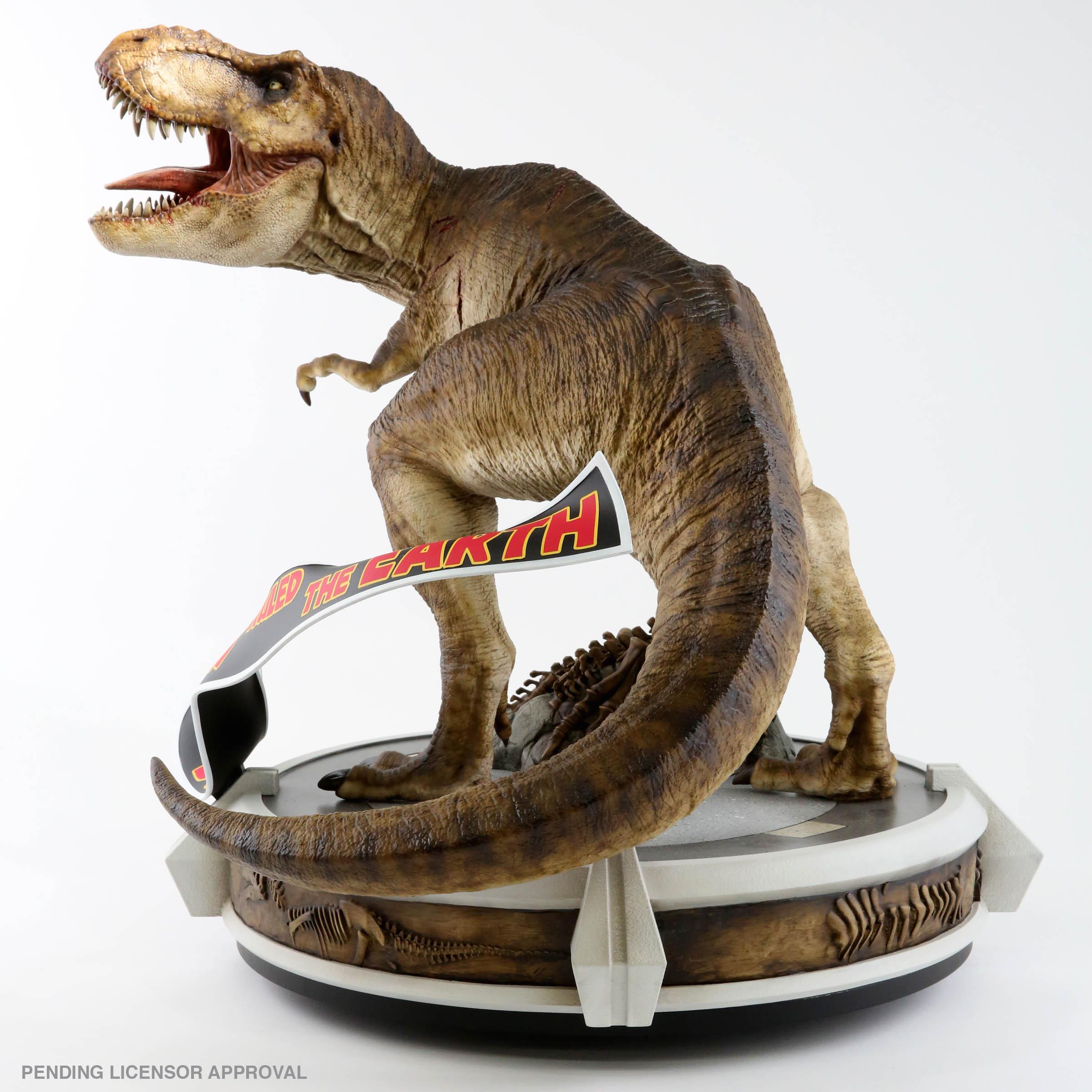 Link a Chronicle-Jurassic-Park-Rotunda-T-Rex-001