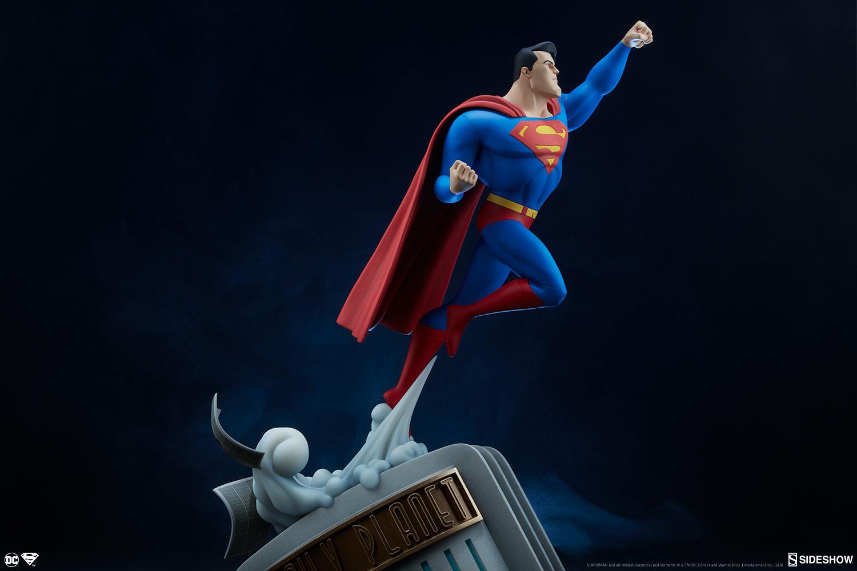 Link a dc-comics-superman-statue-sideshow-200541-26